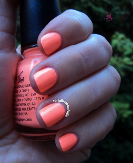 China Glaze - Sun of a Peach Outside, shade